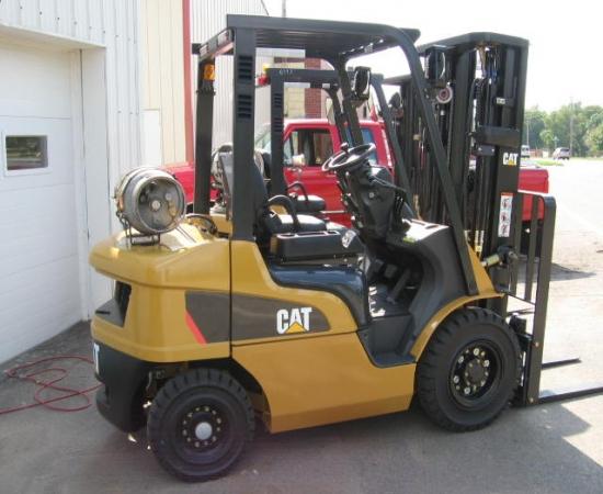 Caterpillar Forklift P5000