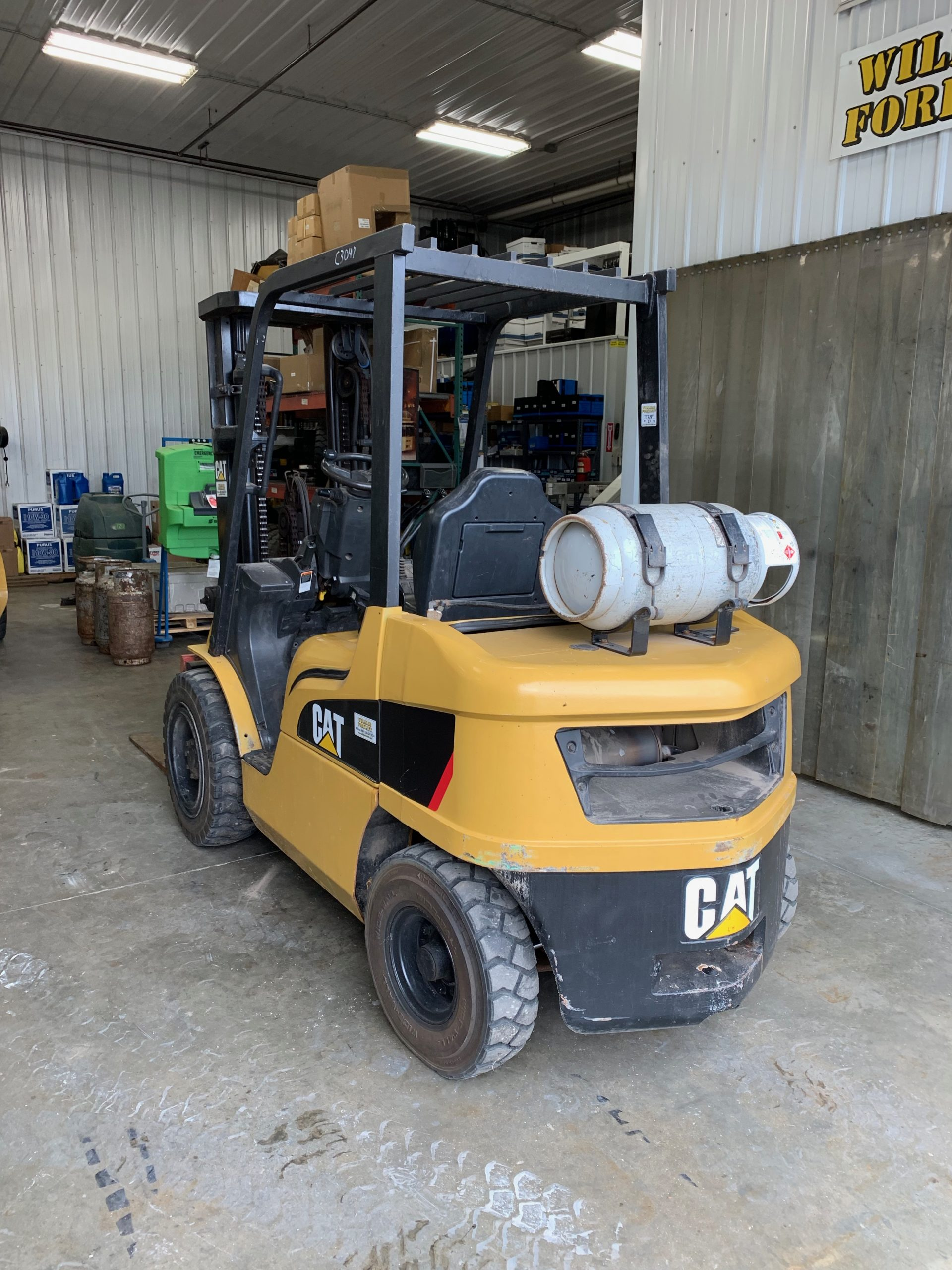 Caterpillar Forklift C3047